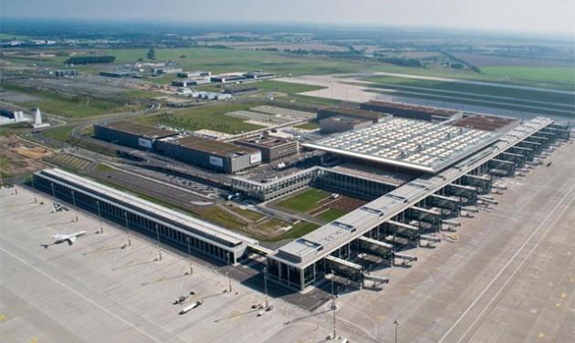 Még egy évig dolgoznak Berlin új repülőterén