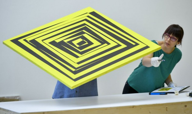 A számítógépes művészet úttörője a Modemben
