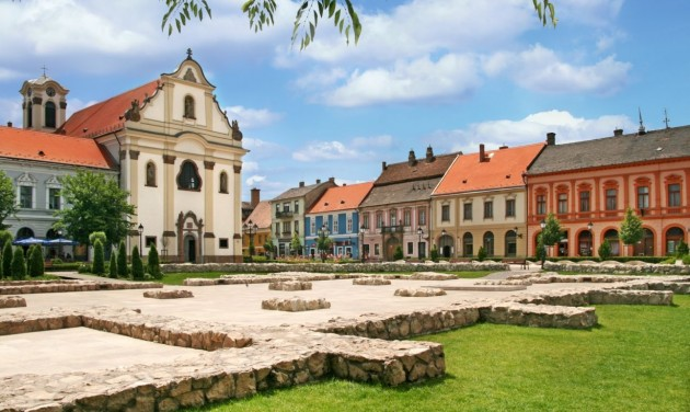 Magyarország vár – Barokk szépség a Naszály lábánál