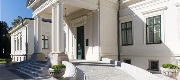 Megnyitották a felújított cégénydányádi Kölcsey-Kende kastélyt