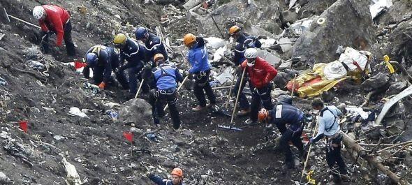 Franciaországi légikatasztrófa – folytatódik a kutatás és a holttestek azonosítása