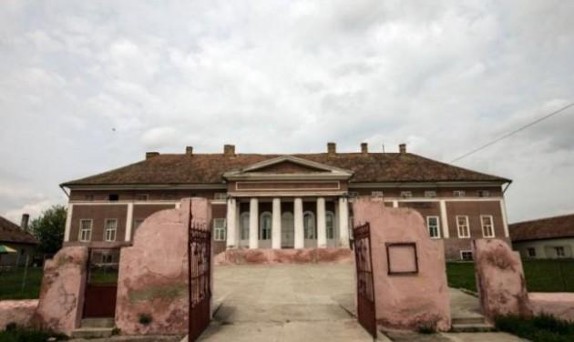 Új életre keltik a Temes megyei Mocsonyi-udvarházat