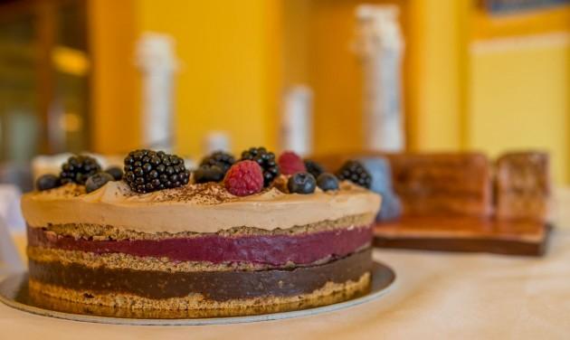 A CSOKOLÓNIA lett a Savaria Karnevál tortája