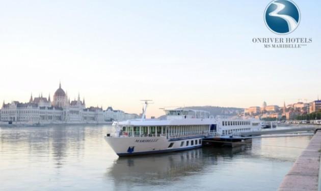 Új szállodahajó Budapesten