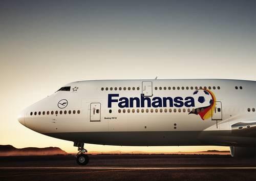 A Lufthansa is foci-drukerré válik