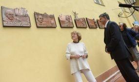 Híres vendégei tiszteletére állított emléktáblát a Lukács fürdő