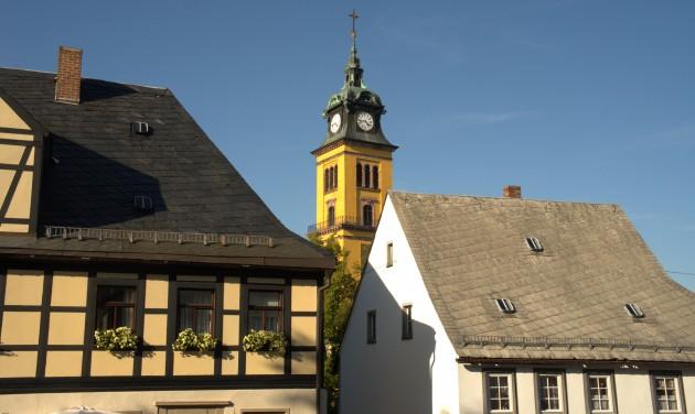 Napi teszteléssel indítja újra turizmusát egy német kisváros