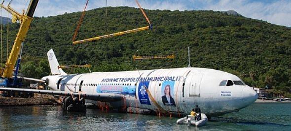 A tengerbe süllyesztettek egy Airbust Kusadasinál