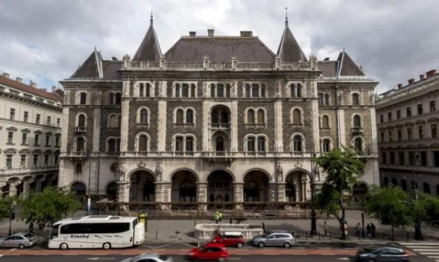W Budapest lesz a Balettintézetből