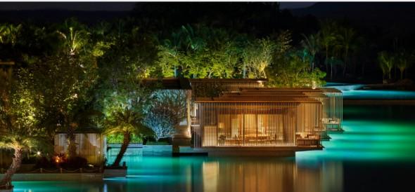 Megnyílt a világ első privát óceánnal rendelkező szállodája