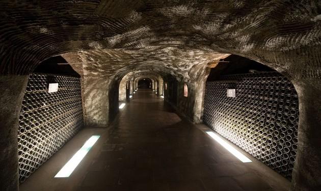 Egyre népszerűbbek a pezsgőtúrák Budafokon