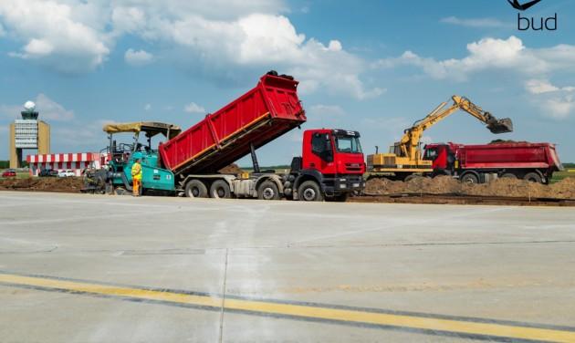 Újabb fejlesztések és béremelés a Budapest Airportnál