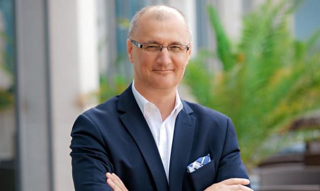Somlyai Zoltán szállodavállalatot irányít