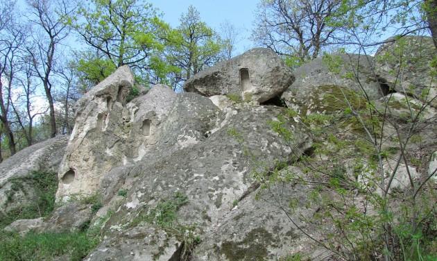 Megóvják a pusztulástól a kaptárköveket