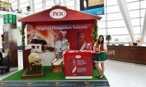 Menő a magyar márkák marketingje a repülőtéren