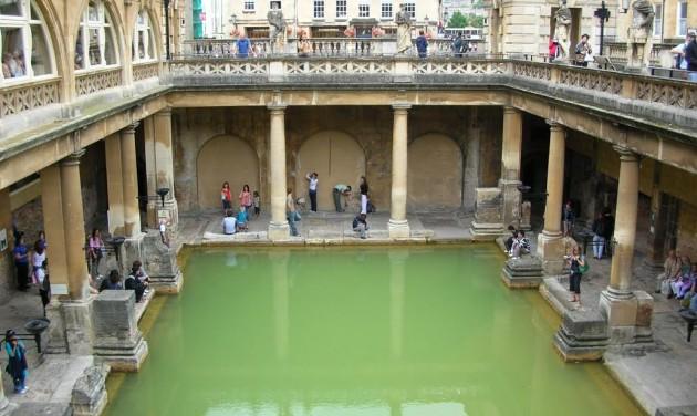 Az angliai Bath-ban is megadóztatnák a turistákat