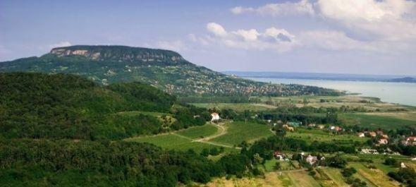 A Balaton-felvidék és benne a keszthelyi kastély is a világörökségi cím várományosa