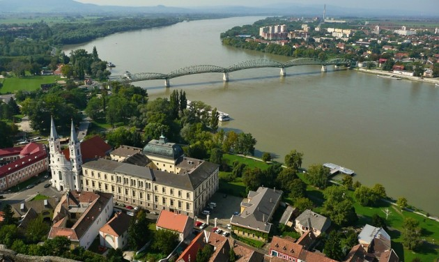 Határon átnyúló kerékpáros fejlesztés Esztergomban és Párkányban