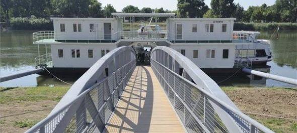 Határkikötőt adtak át Szegeden