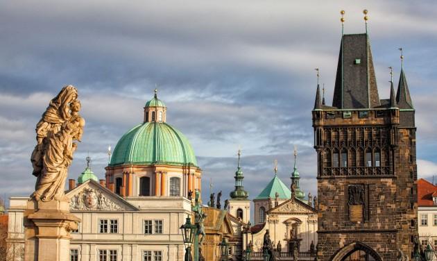 Szükségállapotot hirdetett a cseh kormány
