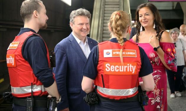 Biztonságosabb tömegközlekedés Bécsben