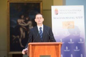 Varga Mihály: kiemelkedően teljesít a turizmus