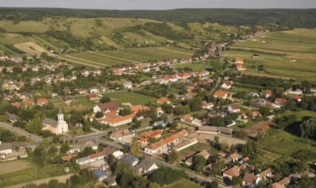 Beruházás a Pannonhalmi borvidéken