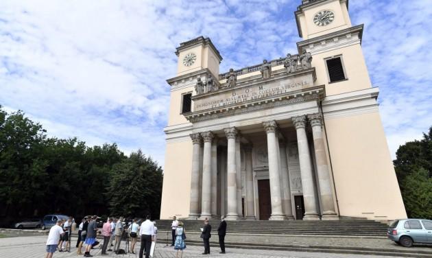 Négymilliárd forinttal támogat egyházi fejlesztéseket Vácon a kormány