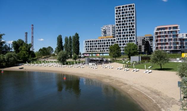 Ilyen lett Budapest első szabadvízi strandja