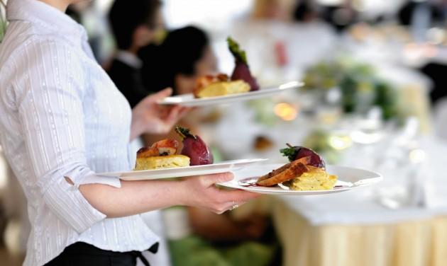 Fővárosi fizetések: sereghajtó a vendéglátás