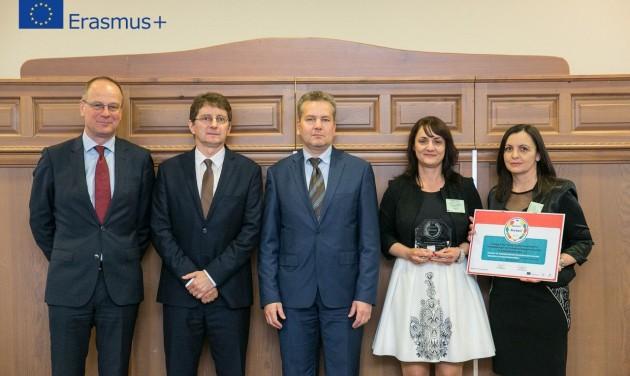 Erasmus+ Nívódíjat kapott a szegedi Krúdy iskola