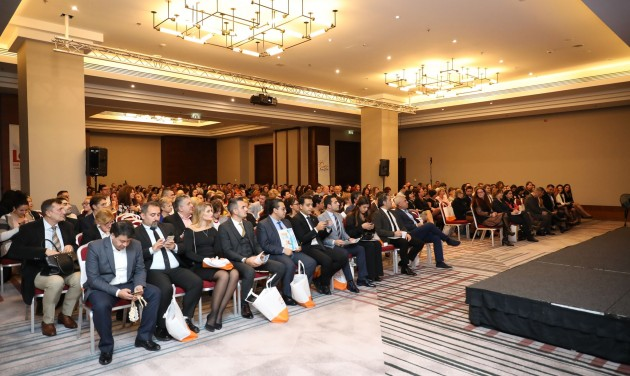 Sun & Fun Holidays: kétmilliárdos kaució és új úti cél, Izmir