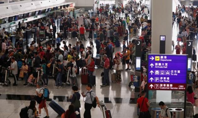 Járattörlések a tüntetések miatt Hongkongban