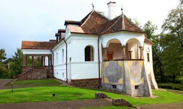 Gyorsítják a Kálnoky-kastélyok felújítását