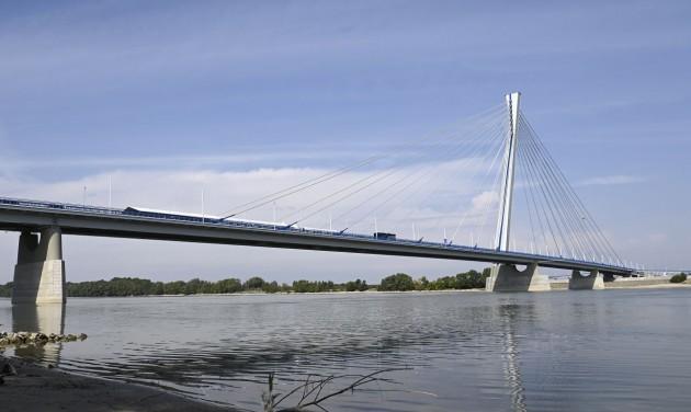 Átadták a komáromi Monostori hidat – videó