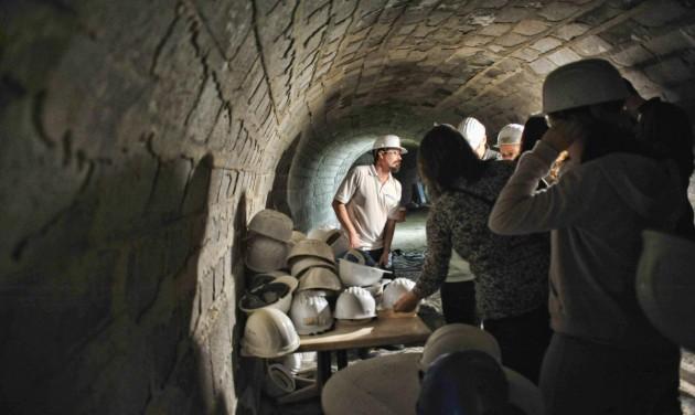 Száraz lábas túrák a miskolctapolcai barlangfürdőben