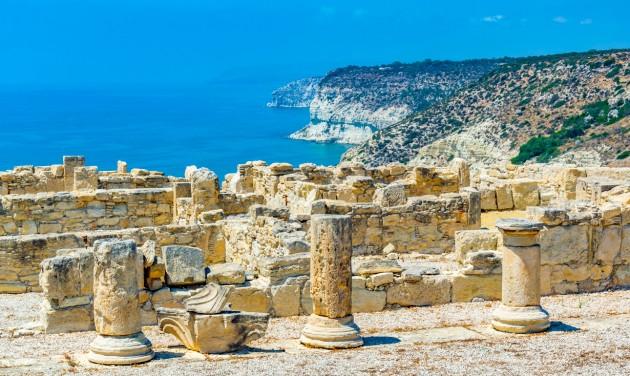 Már Ciprusra is teszt és oltás nélkül utazhatnak a magyarok