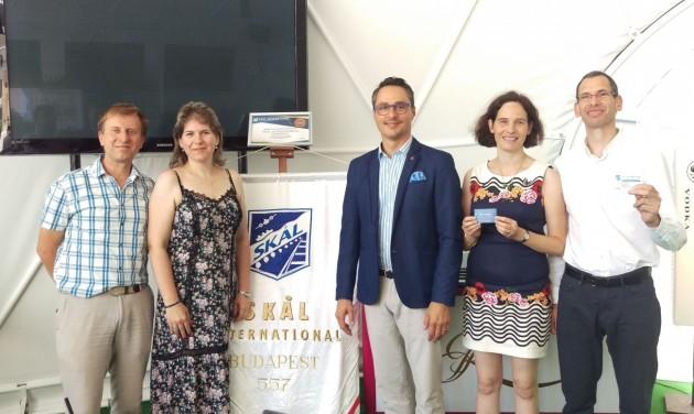 Új tagjait ünnepelte a kibővült SKÅL International Hungary