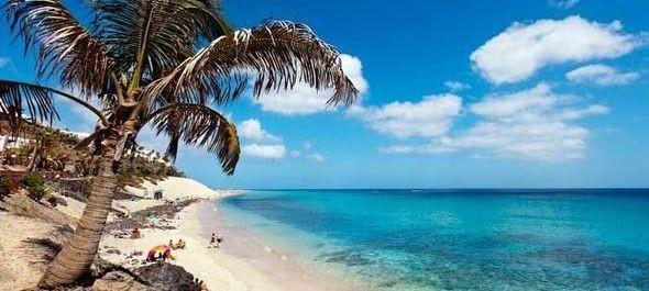 Pályázatot írtak ki Magyarországot Fuerteventura szigetével összekötő repülőjárat indítására