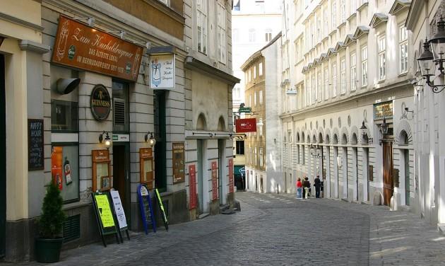 Terrortámadás Bécsben, ellenőrzés a cseh határokon (frissítve)