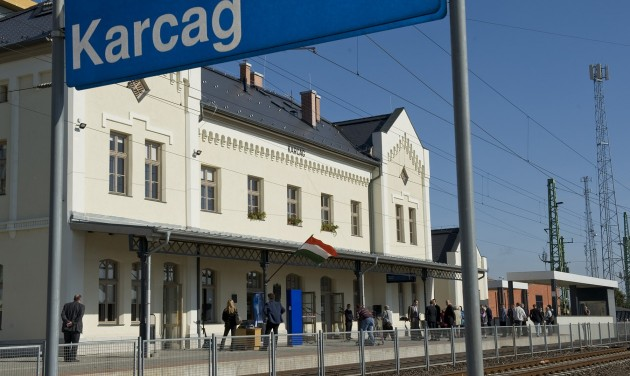 Augusztustól tíz regionális vasútvonal áll vissza a korábbi menetrendre