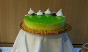 Harmatos virág torta, zöldalmára hangolva
