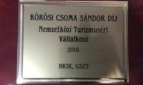 Kőrösi Csoma Sándor Díjat kapott a Duna Relax Hotel tulajdonosa
