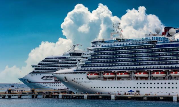 A Carnival Cruises nyolc hajót elindít augusztusban