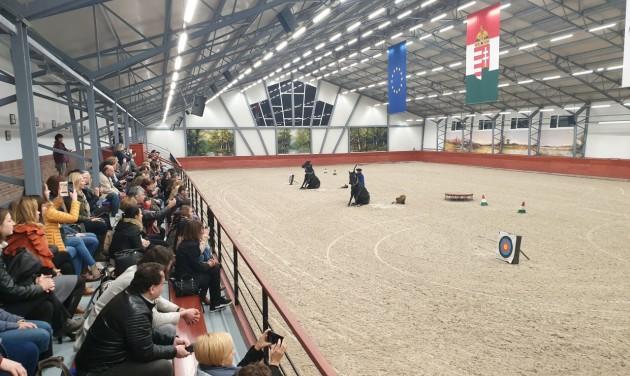 Lázáréknál a tél sem akadály, lovas program nem marad el