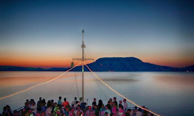 Egy héttel hosszabb lesz a hajózási főidény a Balatonon