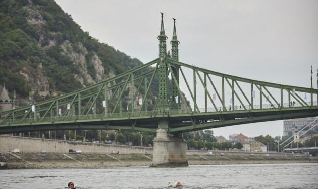 Ötszázan átúszhatják a Dunát a fővárosban