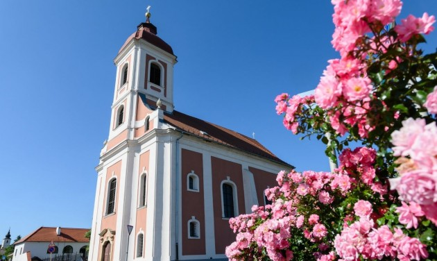 Megújult a vörösberényi jezsuita kolostor