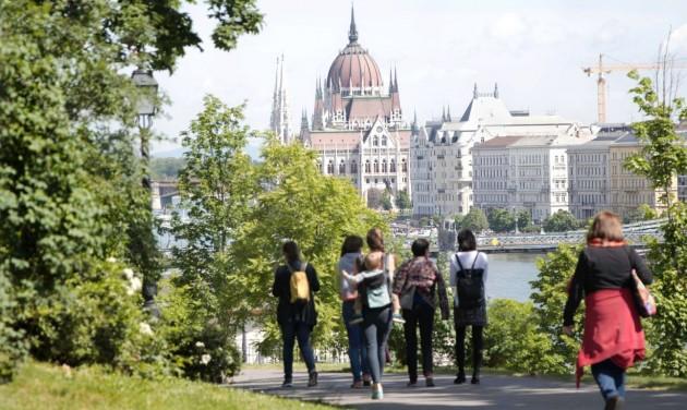 A városi séták a Covid-helyzet nyertesei Budapesten