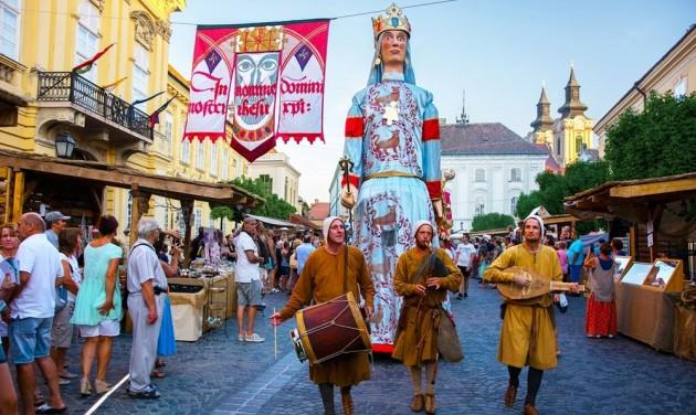 Magyarország vár – Fesztiválok Székesfehérvártól Szatmárcsekéig